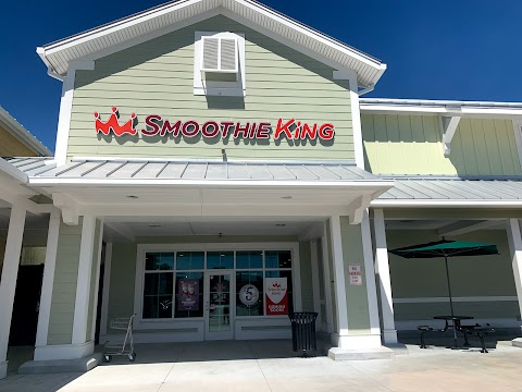 Exterior of Smoothie King